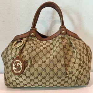 GUCCI GG Supreme Sukey Handbag